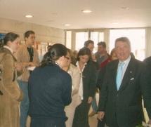 El Alcalde de A Coruña se dirigue a felicitar a la Abuela de Monelos