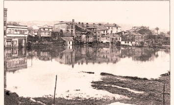Monelos, su sala de Fiestas y su rio desbordado